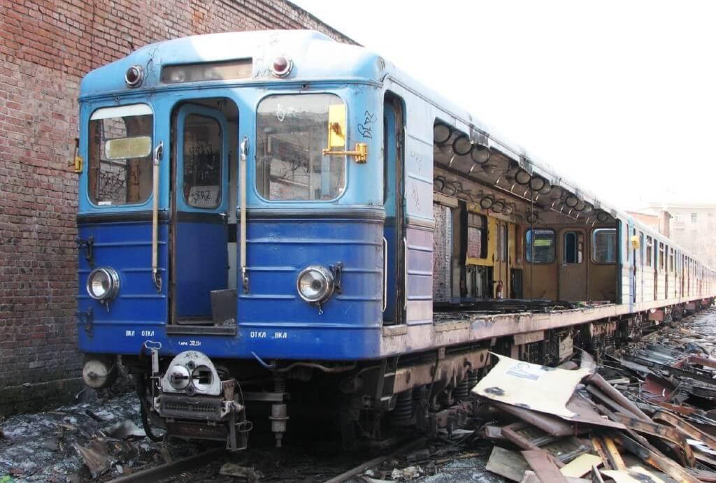 Демонтаж вагонов на металлолом
